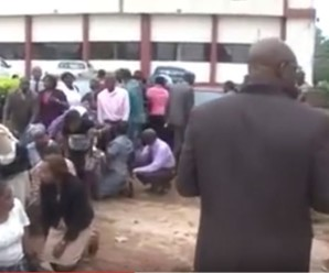 Nigerian governor caught workers going to work late