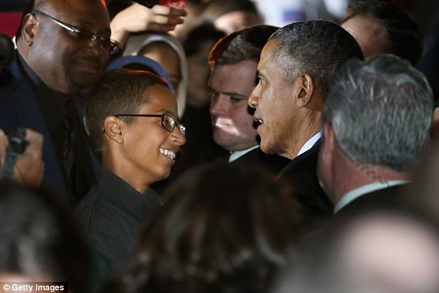 Ahmed meets President Obama in the White House